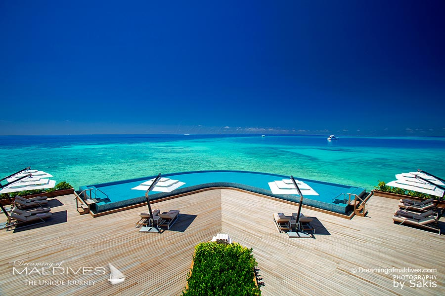 Baros Maldives Resort infinity Pool