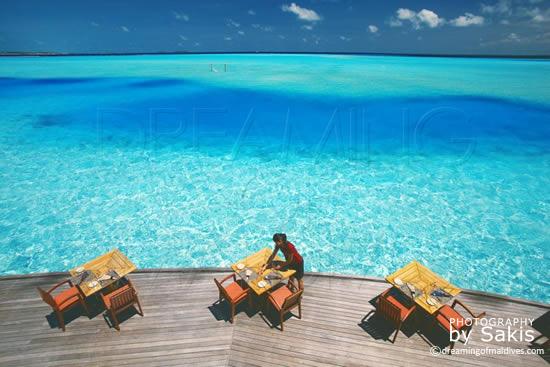 Anantara Dhigu Maldives, La Terrasse sur la lagon du Restaurant principal, Fuddan