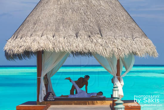 Anantara Dhigu Maldives,  massage en bord de lagon, au Spa