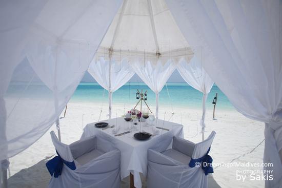 Anantara Dhigu Maldives, Diner Romantique sur la Plage