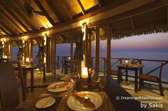 Anantara Dhigu Maldives, la vue depuis terrazzo, le Restaurant Trattoria