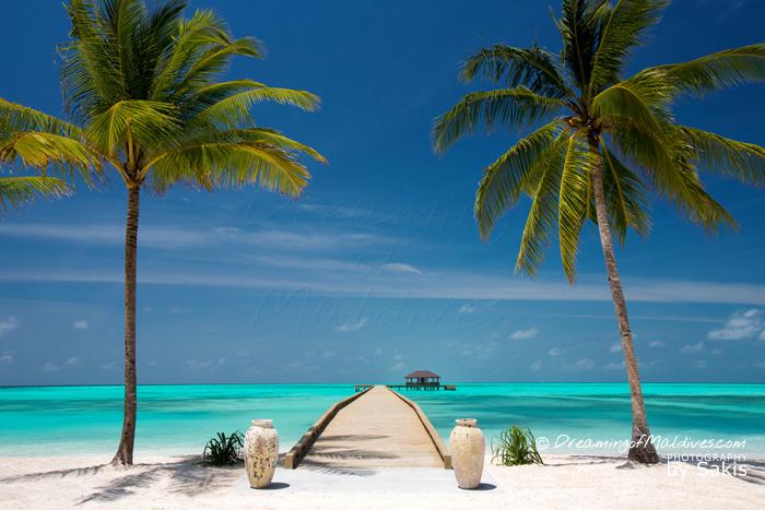 Atmosphere Kanifushi Maldives Arrivée sur l'Ile par la Jetée principale