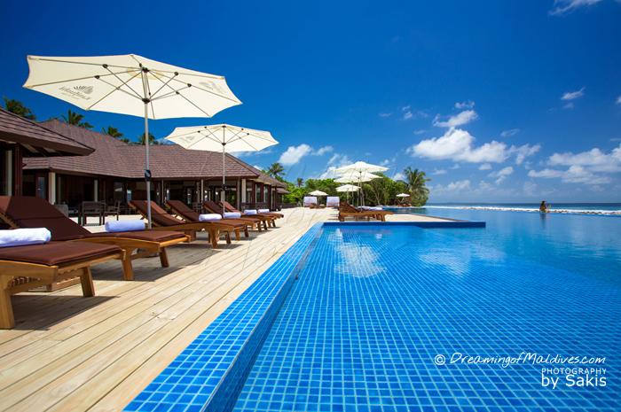 Atmosphere Kanifushi Maldives - La piscine à débordement