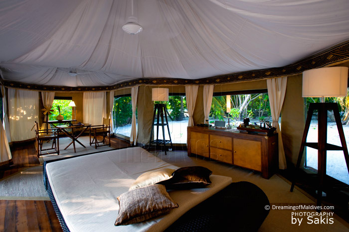 Banyan Tree Madivaru - Tented Pool Villa