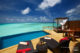 Baros Maldives Pool Water Villa. Vue infinie sur le bleu du Lagon