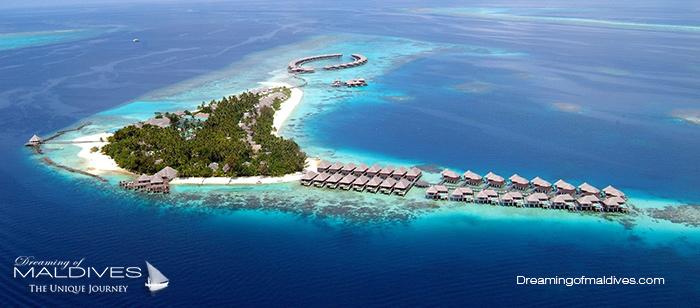 Photo aérienne des Récifs tout autour de l'Île de Coco Bodu Hithi pour le snorkeling