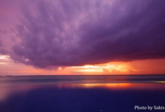 Coucher de Soleil pendant la Mousson aux Maldives