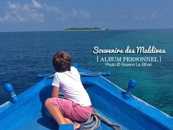 Balade en Dhoni. avec des enfants aux Maldives