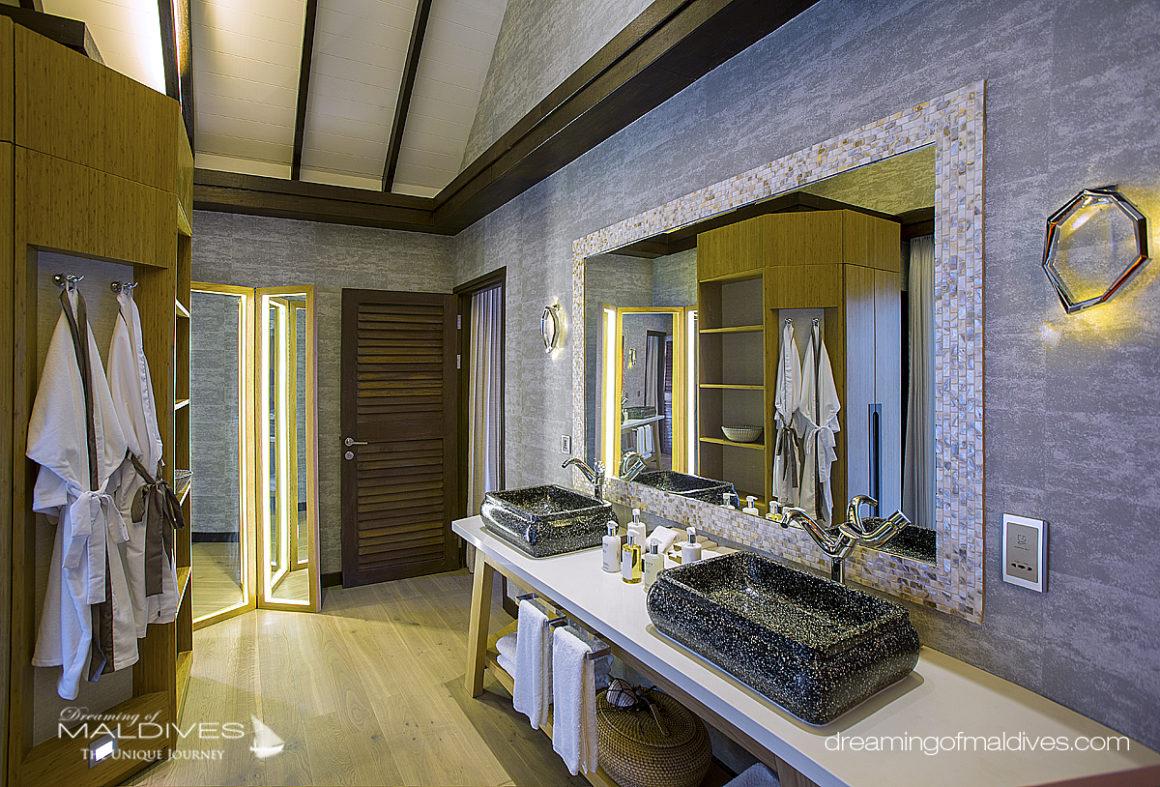 Earth Villa . Salle de Bain OZEN at Maadhoo Le premier Hôtel Tout Inclu Ultra Luxueux des Maldives