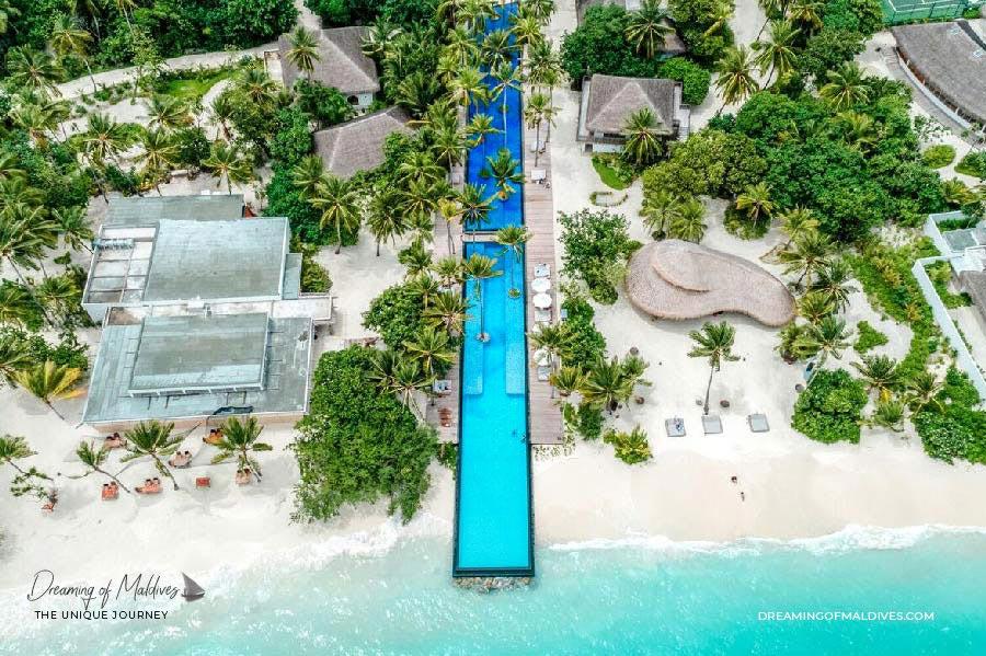 10 lieux extraordinaires Maldives la plus longue piscine des Maldives au Fairmont Sirru Fen Fushi