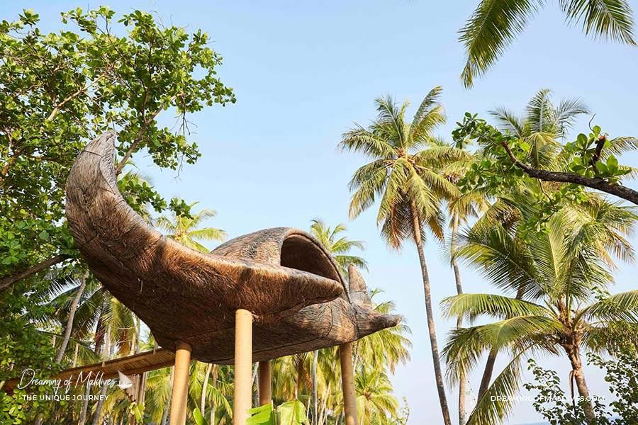 10 lieux extraordinaires Maldives La Cabane dans les arbres en forme de Raie Manta à Joali Maldives
