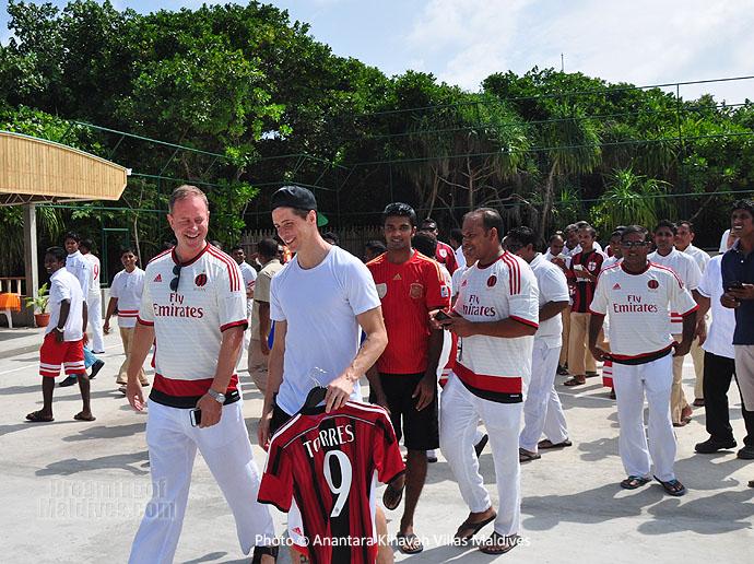 Fernando Torres aux Maldives pour ses vacances de Noel 2014 ! Photo et vidéo de Torres et de l'Hotel