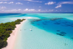 photo aérienne hôtels des iles maldives