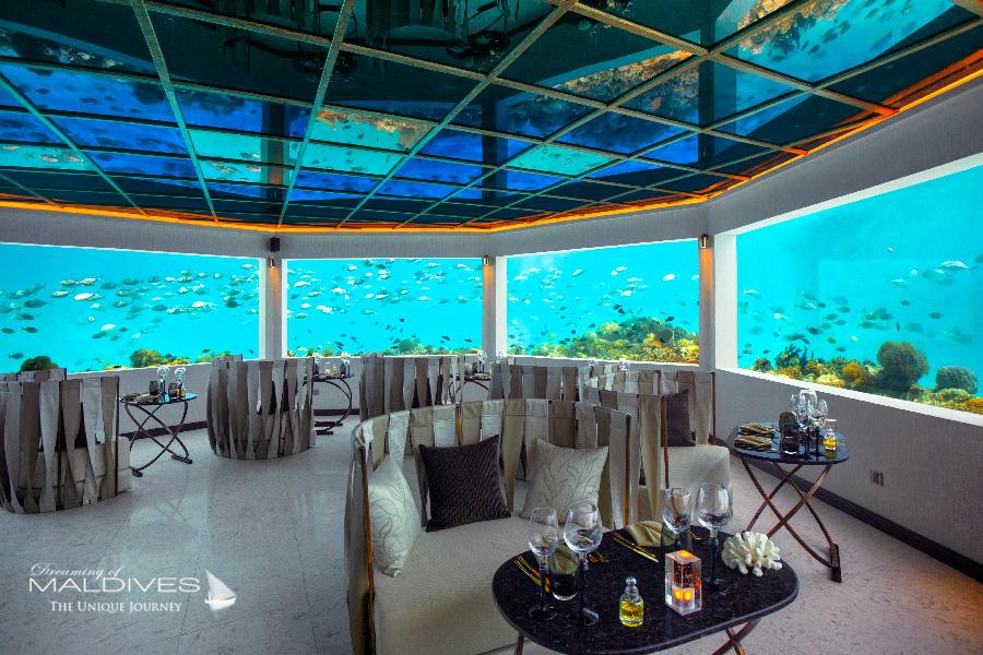 Ozen at Maadhoo Maldives. M6m Le restaurant sous marin