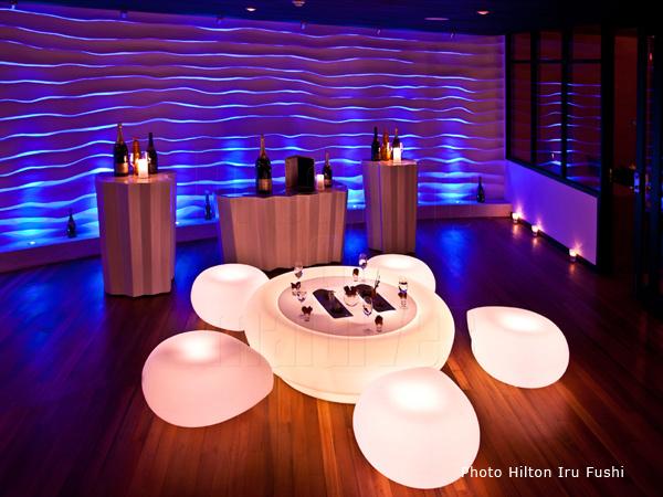Hilton Iru Fushi ouvre Le Premier Bar à Champagne des Maldives