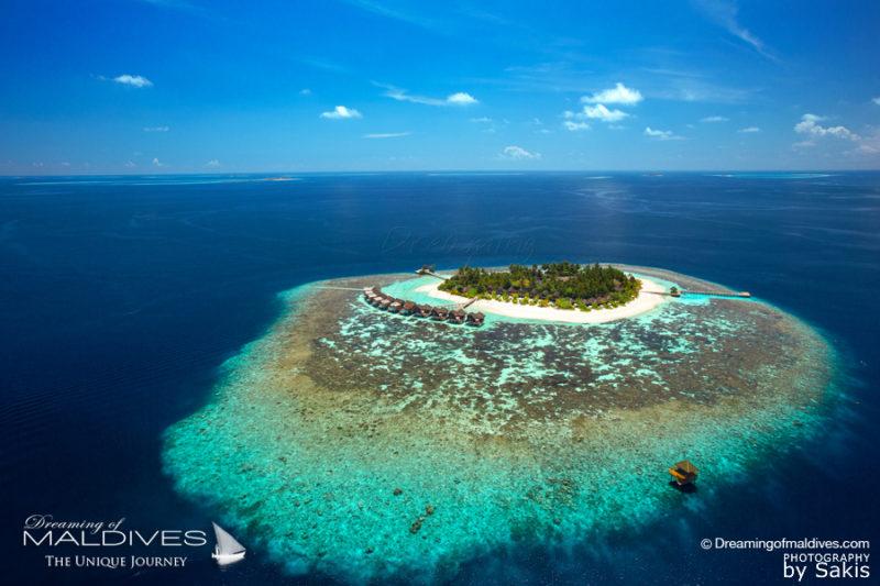 île hôtel avec récifs à proximité immédiate tout autour   pour un Snorkeling extraordinaire