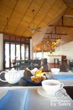 Lily Beach Maldives - Petit dejeuner tardif au Bar en formule tout-inclu