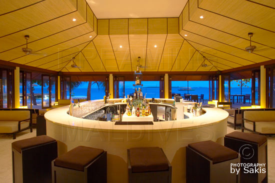 Lily Beach Maldives - Le Bar Lounge Principal