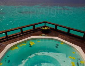 luxe-maldives-cr
