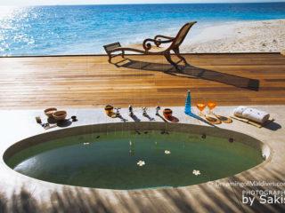 Photo du jour : Maldives. Jacuzzi ou Chaise longue ?