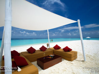 maldives photo du jour lune de miel velassaru honeymooners