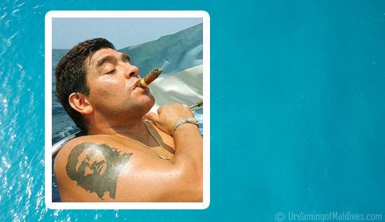 Diego Maradona et son amie passent des vacances de Rêve aux Maldives