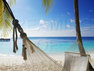 ecouter de la musique dans un hamac aux Maldives