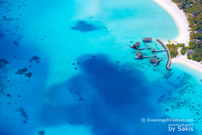 Water Villas One and Only Reethi Rah Maldives. Photo aerienne
