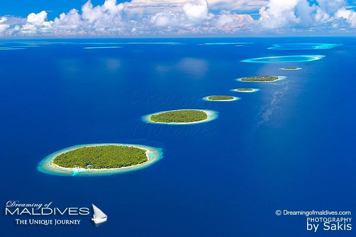 Photo aérienne Maldives Iles aux formes Insolites