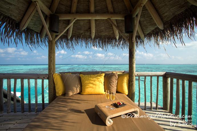 gili lankanfushi Maldives private reserve incroyable villa sur pilotis