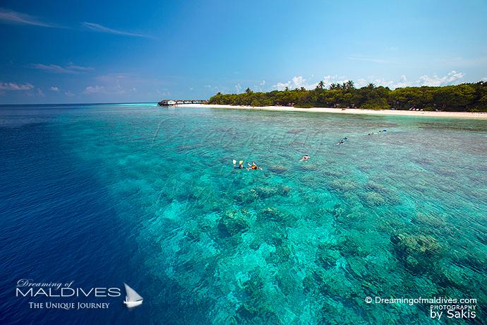 Reethi Beach Maldives meilleur Hotel pour le Snorkeling.Vue Aérienne