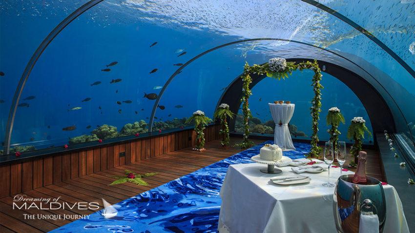 Mariage sous marin au restaurant 5.8. Photo Hurawalhi Maldives