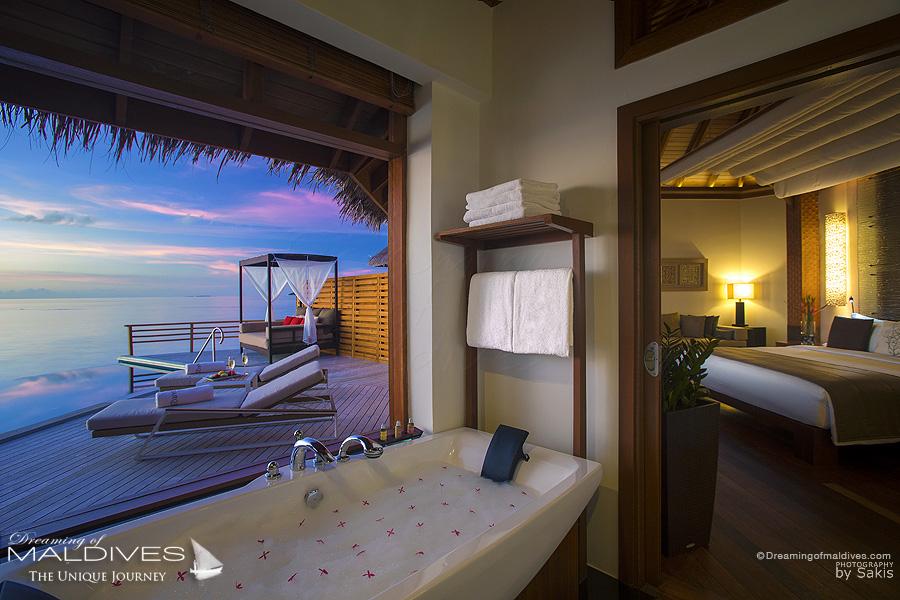 photo de salles de bain de rêve. les plus belles salles de bain baignoires et jacuzzis vus aux Maldives baros maldives