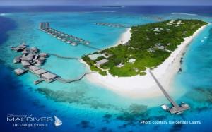 Maldives île hôtel avec récifs à proximité et grand lagon  excellent Snorkeling + Voile