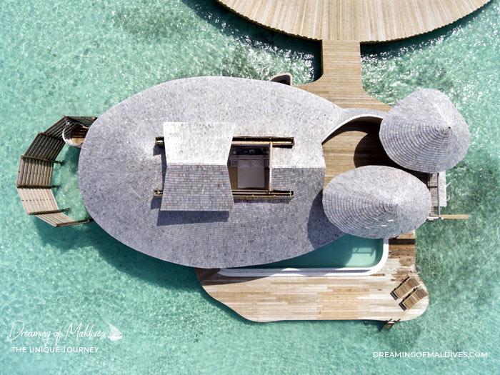 10 Lieux Extraordinaires À Voir Aux Maldives Les toits rétractables des villas à Soneva Jani