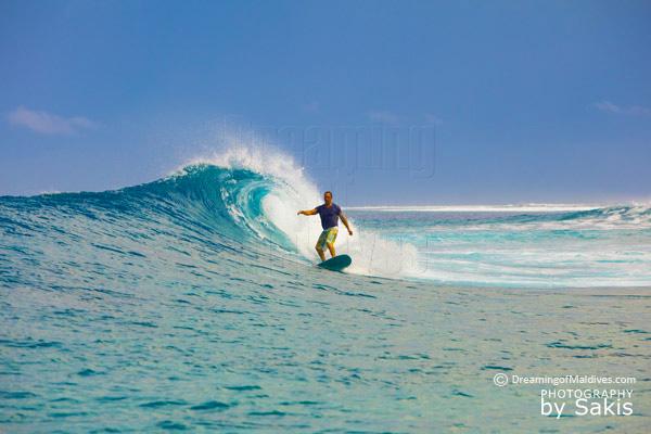 Photo du Jour : Surf aux Maldives