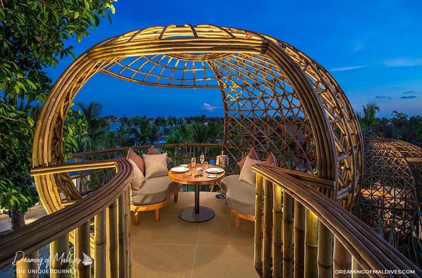 10 Lieux Extraordinaires À Voir Aux Maldives restaurant Terra au Waldorf Astoria Ithaafushi