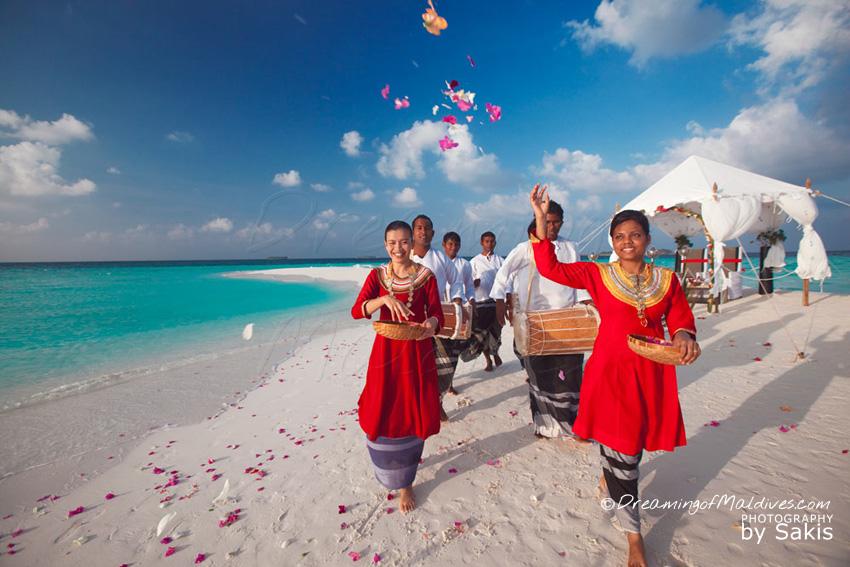TOP 5 des Choses à faire à Hôtel Baros Maldives - Célébrer son histoire d'Amour lors d'une cérémonie privée sur uneplage