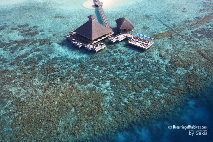 5 choses à Per Aquum Huvafen Fushi Maldives - Dîner sur le lagon au restaurant Raw