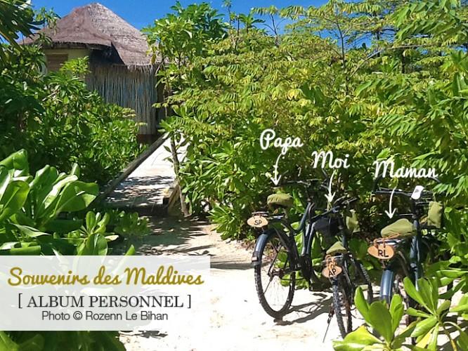 Les vélos de la petite famille au Six Senses Laamu...ils sont immatriculés avec nos initiales !