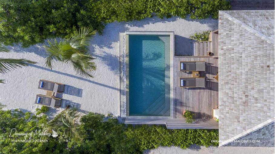Les plus belles villas sur plage aux Maldives. La Villa Coucher de Soleil avec Piscine à Hurawalhi Island Resort The Beach Sunset Pool Villa
