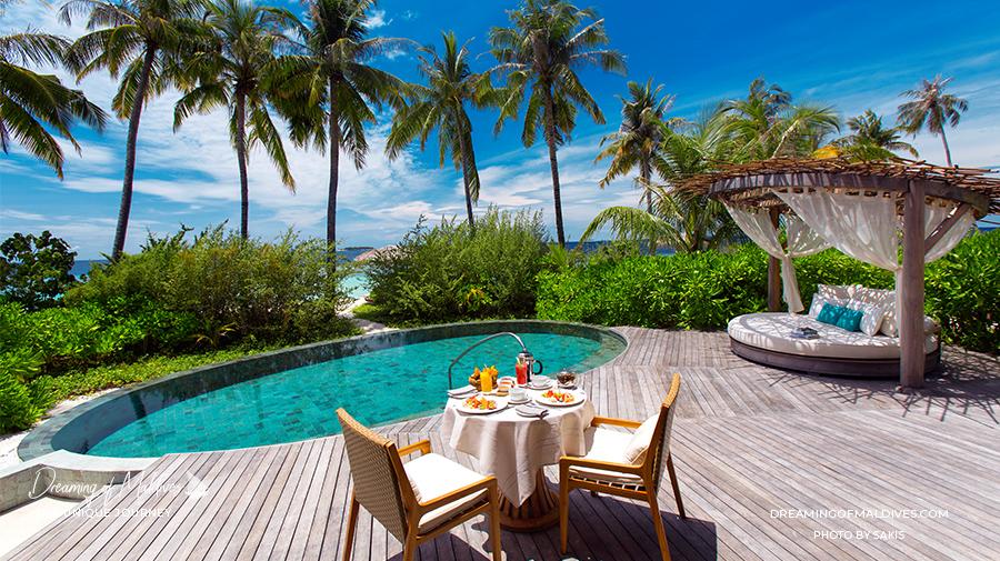Les plus belles villas sur plage aux Maldives . La Villa Sur Plage avec piscine à Milaidhoo / Beach Pool Villa