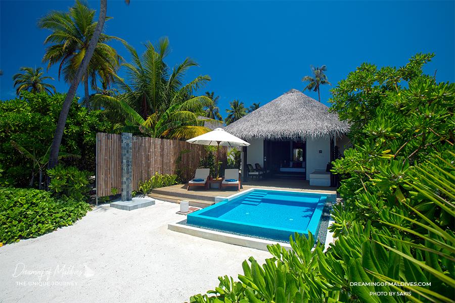 Les plus belles villas sur plage aux Maldives . La Villa sur Plage avec piscine à Velassaru Maldives Beach Pool Villa