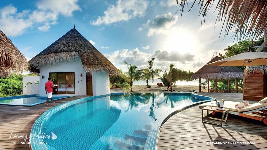 Les plus belles villas sur plage aux Maldives . Le Palace Hideaway à Hideaway Beach Resort .  Hideaway Palace