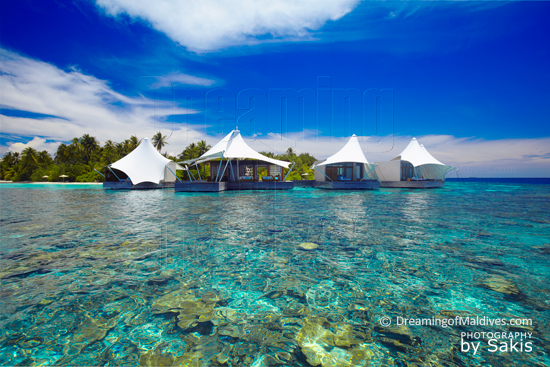 W Retreat and Spa Maldives - Le Spa AWAY vu depuis le lagon