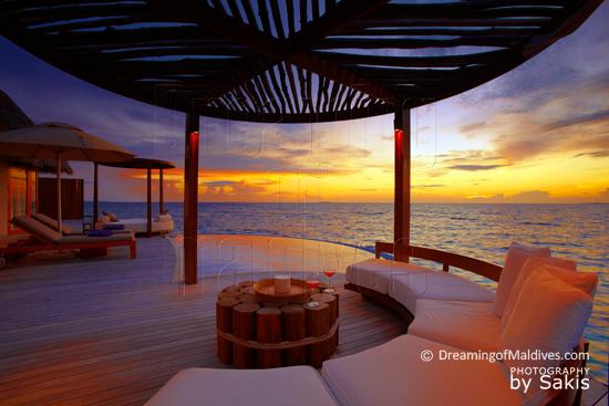 W Retreat and Spa Maldives - Ocean Haven, la Terrasse au coucher du Soleil