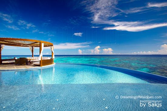 W Retreat and Spa Maldives - Ocean Haven, la terrasse avec piscine à débordement