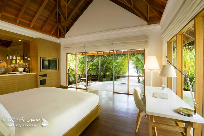 Huvafen Fushi Maldives Beach Bungalows with Pool. 125 m2