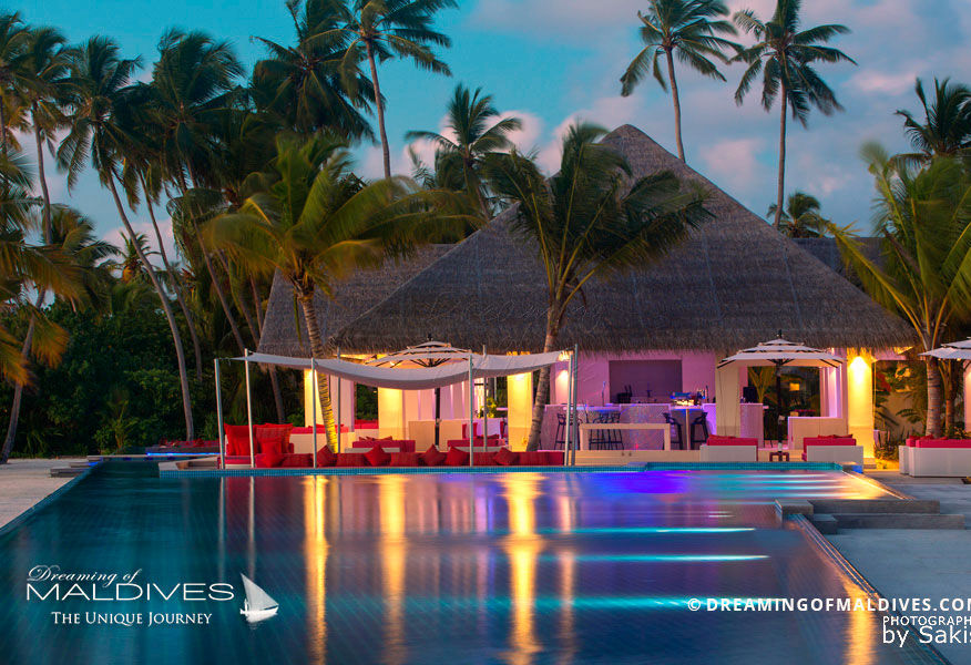 Kandima Maldives Breeze Bar