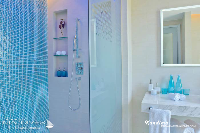 Kandima Maldives Beach & Sky Studios Bathroom